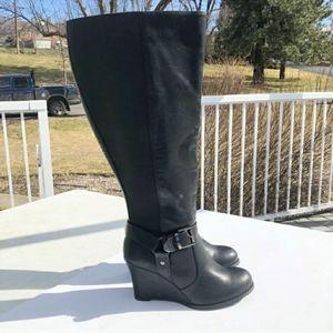 NWOT Torrid Black Leather Knee Boot Wedges 8 Wide